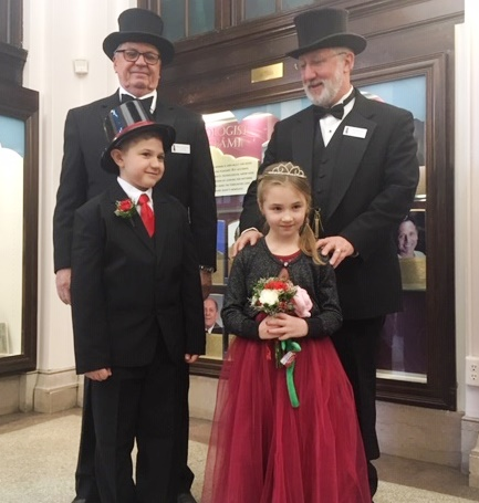 Now Accepting Entries for the Little Mr. and Miss Groundhog Contest
